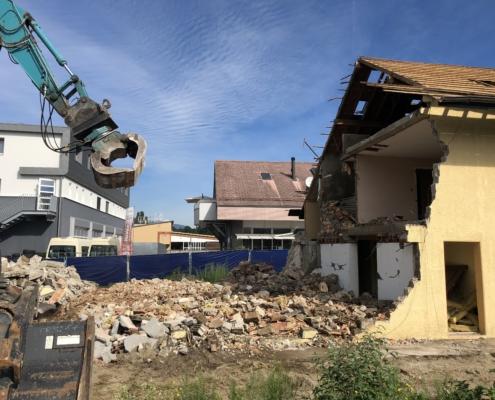 Travaux de chantier, démolition d'une maison